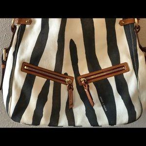 Dooney & Bourne large crossbody/shoulder bag